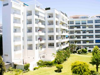 Fully RENOVATED NEW 2 Bedroom Apartment, HEART of Puerto Banús, Perfect