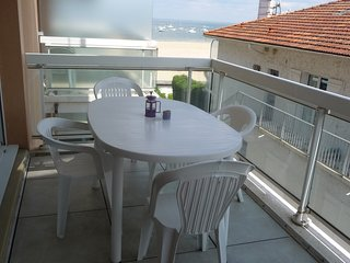 Charmant Appartement  agreable lumineux  calme acces direct Plage Vue Bassin