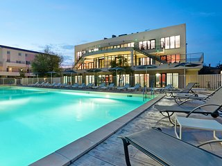 Awesome apartment in Le Grau du Roi with 1 Bedrooms, Heated swimming pool and Ou