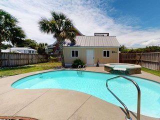 Private Pool, Single family Home, Large Deck, Fire Pit, Bikes, Beach Chairs/toys