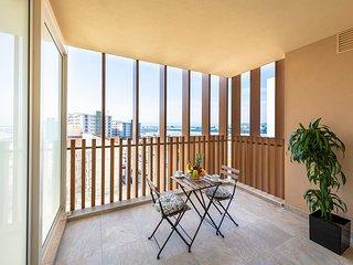 Westone Luxury Self Catered Studio with Balcony