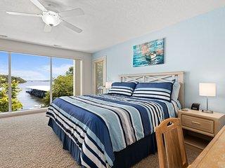 Regatta Bay 404-1D - Gorgeous Waterfront Condo!