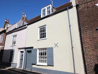 Skippers - Exceptional character cottage on historic Middle Street, Deal