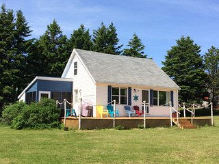Sand Mirage Beach Home - PEI's North Shore, Savage Harbour