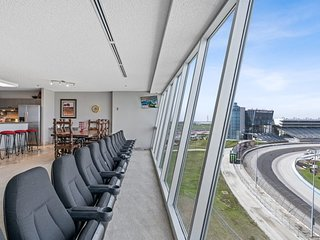 "You will ♥️ this place! The Texas Motor Speedway Condo- ""As Seen On TV!"""