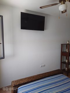 TV 40' HD en dormitorio matrimonio