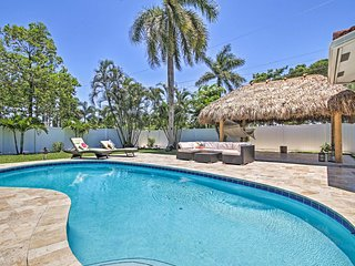 Quiet Tropical Oasis with Pool - 1 Mile to Beach!
