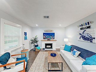 Updated Gulf Home w/ Large Backyard - Minutes from Beach & Downtown!