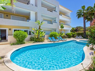 Ancora Apartment 18, 2 bedrooms A/C, Wi-Fi & IPTV, close to amenities.