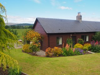 Delightful 2 Bedroom Farm Cottage, Corrie Cottage, Crieff