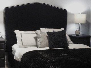 Luxury Queen Deluxe Room In a Bed and Breakfast
