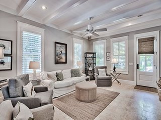 Sylvia's Cottage - New Rental, Private Pool in Rosemary Beach