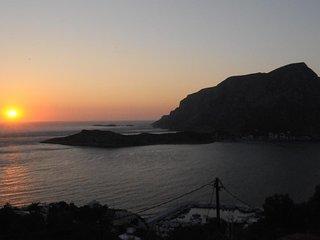 Romantic two spaces honeymoon with amazing seaview/sunset at Myrties/Massouri
