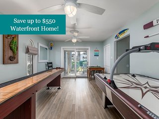Channel Buoy Retreat - Unique Waterfront Home, Game Room, 1.5 Blocks to Beach!