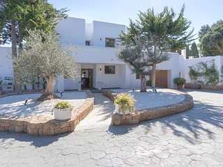 Colonia de Sant Jordi Villa Sleeps 12 with Pool Air Con and WiFi - 5805603