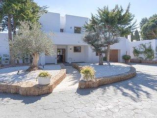 Colonia de Sant Jordi Villa Sleeps 12 with Pool Air Con and WiFi - 5805603