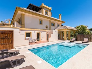 Charming 4-Bed Villa in San Roque