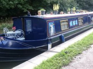 Beautiful Widebeam Barge