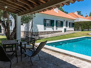 Sintra • Banzao House w/ Swimming Pool