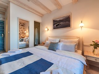 Hotel Capitano - Double room with sea and small ferry port view