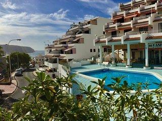 Sun & View Holiday Home, renewed studio, full equipped, free wifi, pool