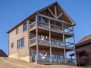 Starr Scape Luxury Cabin w/ View of Mt. LeConte!