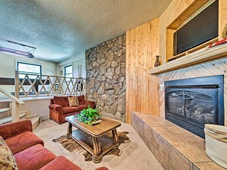 NEW! Townhome in Ruidoso w/ Foosball & Pool Table