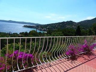 Magnifique Villa avec Piscine vue mer -AIGUEBELLE