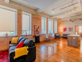 ★★★BRAND NEW Corporate Apt Downtown/Valet Parking