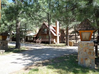 Timberline  Timberline Cabin - Cozy Cabins Real Estate, LLC.