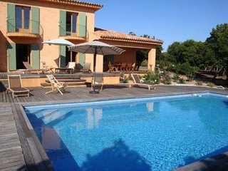 Tres belle villa avec piscine a la Castagna