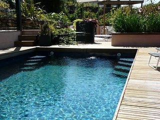 Gite 4 étoiles, 4 personnes avec piscine naturel