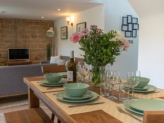 Pet-friendly country retreat - Dovedale Cottage - Stainsborough Hall