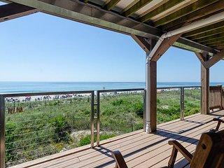 Best dollar value on Wrightsville Beach, upper unit oceanfront