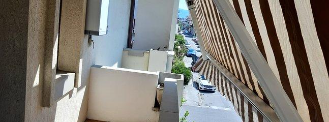 Terrazzo della  camera due utile con stendi biancheria