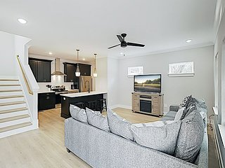 Brand-New All-Suite Townhome w/ Private Balcony