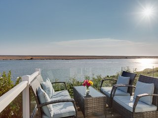 Summer Lodge with panoramic views over Fleet Lagoon and Chesil Beach
