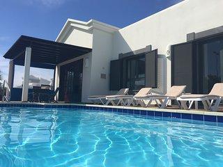 Villa Esperanza - Luxury villa with heated private pool and free wifi