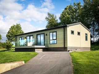 Dentdale Lodge - Family-friendly 2-bedroom Lodge with views of the golf course.