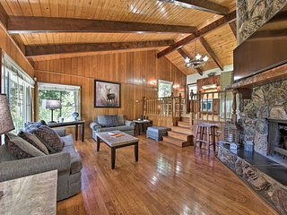 NEW! Cozy Cabin w/Mtn Views: Walk to Lake Gregory!