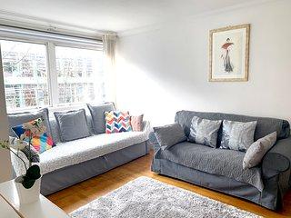 Fab Fitzroy Street, W1 2-bed Near Oxford Street : Wifi. King Bed