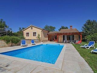 Villa Simac ((PZN215))