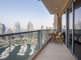 Spacious 3BR with Magnificent Marina Views