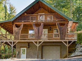 Rusty's Roost Creekside Rental Cabin