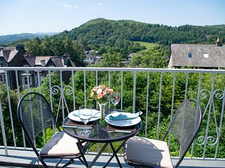 TODD CRAG, beautiful views, WiFi, off road parking, apartment in Ambleside