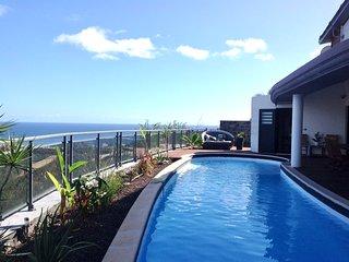Villa Ravenala (5*), vue imprenable sur le lagon, grande piscine chauffee