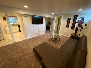Private Lower Level 2 bed 1 bath~Close to light rail to Downtown