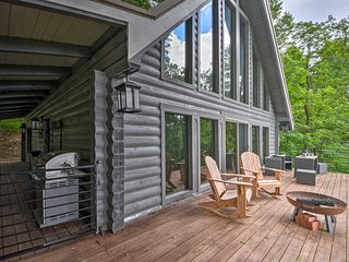 NEW! Jasper Cabin w/ Deck + Blue Ridge Mtn Views!