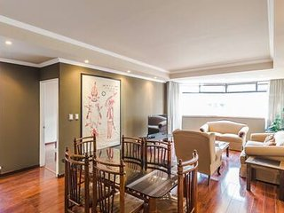 Alluring 2 Bedroom Apartment -Zona 14