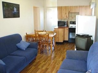 Shoalhaven, Unit 4/53 Shoal Bay Road, vacation rental in Greater Newcastle